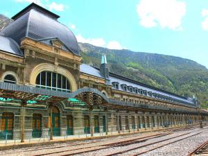 Estación de Canfranc -Pirineo Aragonés.