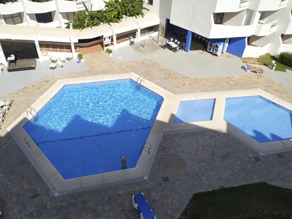 Foto: Piscina Apartamentos Eurhostal 3000