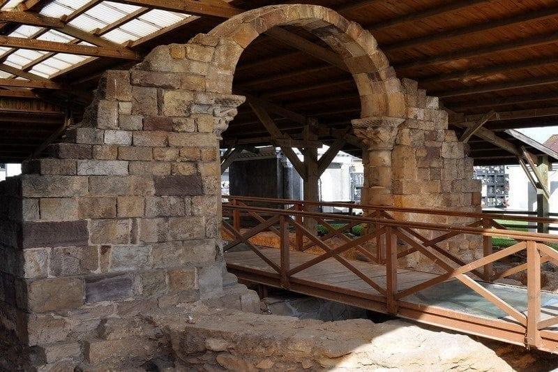 Yacimiento de las Termas Romanas y Necrópolis medieval de San Juan, Maliaño
