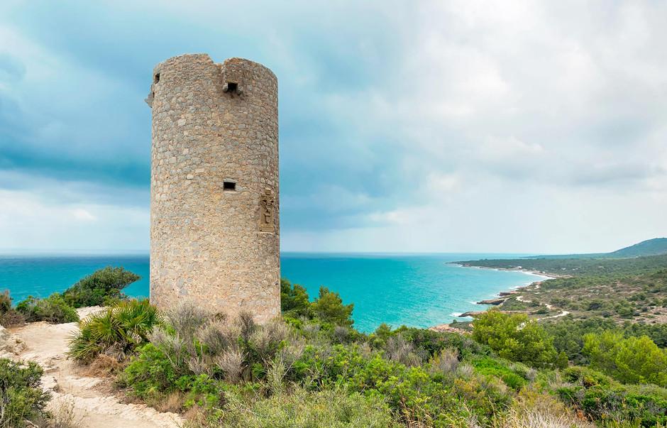 Fotografía de la Torre Badum, Sierra de Irta