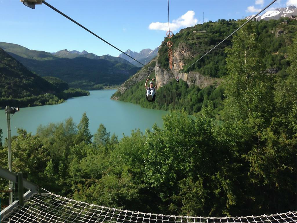 Fotografía del Salto de la Tirolina del Tena, Huesca