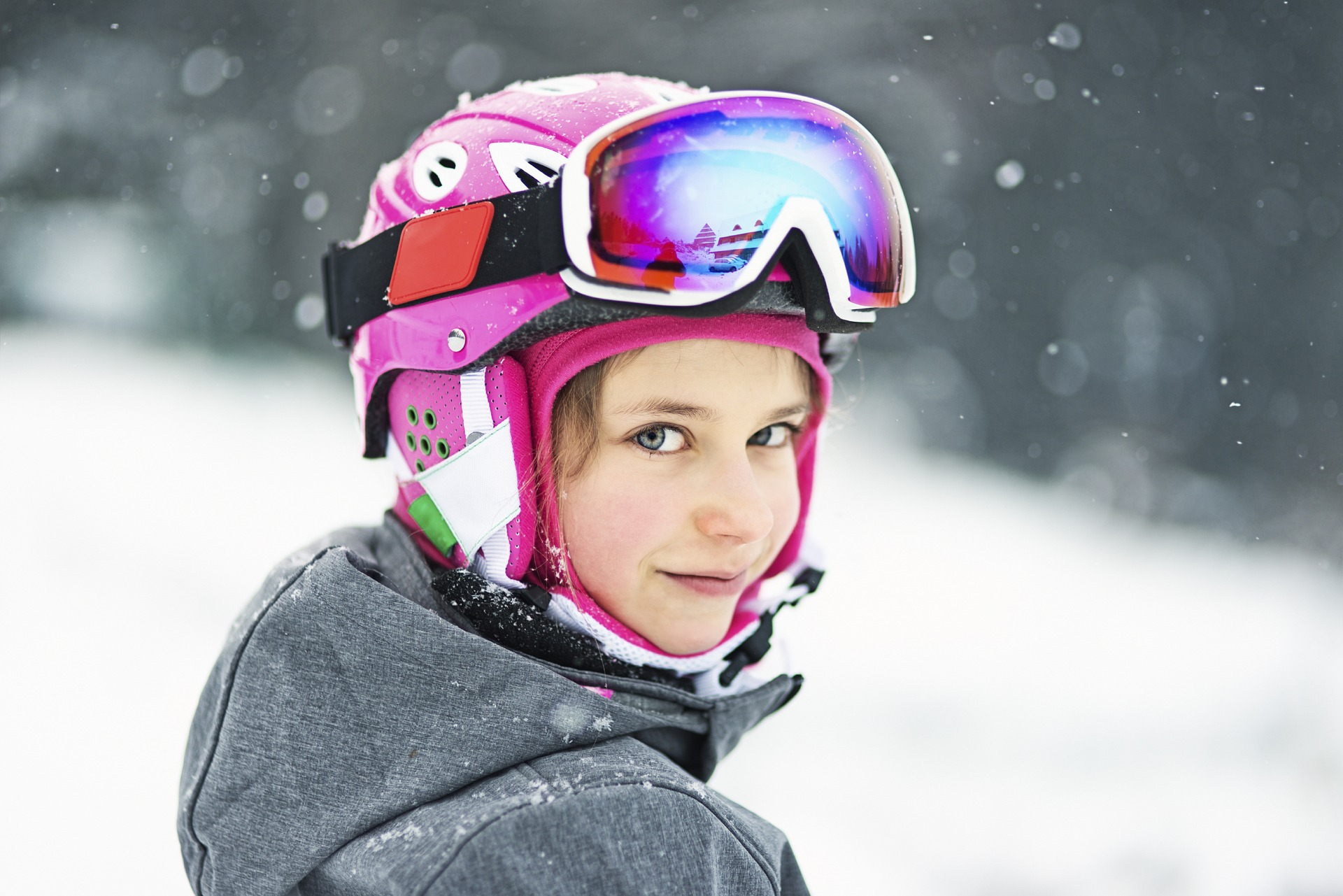 Fotografía niña esquiando