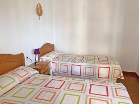 dormitorio-apartamentos-mar-de-peniscola-casablanca-3000-peniscola-costa-azahar.jpg