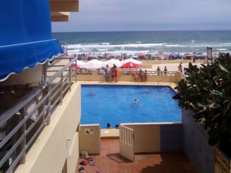 Piscina-Apartamentos-Gandia-Bellreguard-3000-BELLREGUARD-Costa-de-Valencia.jpg