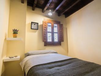 dormitorio-apartamentos-granada-nahira-suites.jpg