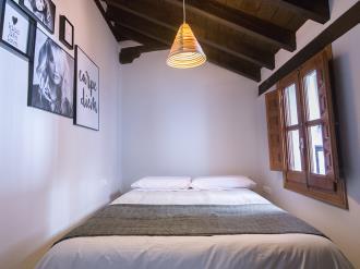 dormitorio5-apartamentos-granada-nahira-suites.jpg