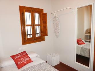 dormitorio_1-granada-nahira-suites-3000granada-andalucia.jpg