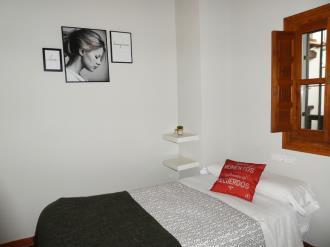 dormitorio_2-granada-nahira-suites-3000granada-andalucia.jpg