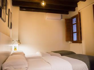dormitorio_8-granada-nahira-suites-3000granada-andalucia.jpg