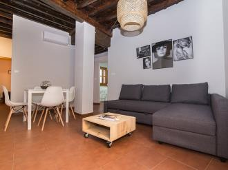 salon10-apartamentos-granada-nahira-suites.jpg