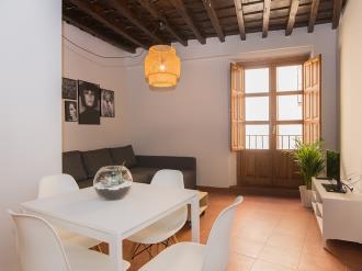 salon12-apartamentos-granada-nahira-suites.jpg