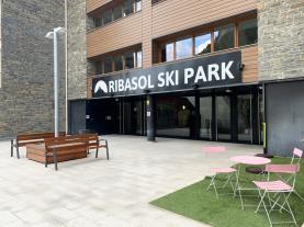 fachada-verano-apartamentos-vallnord-3000-arinsal-estacion-vallnord.jpg