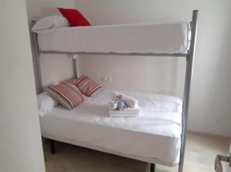 dormitorio_3-apartamentos-lorena-dreams-3000granada-andalucia.jpg