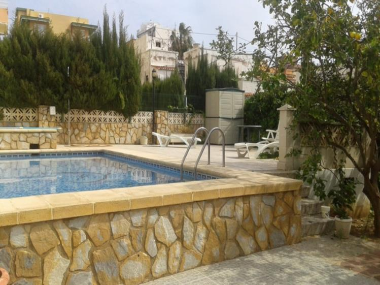piscina_2-apartamentos-gandia-playa-centro-3000gandia-costa-de-valencia.jpg