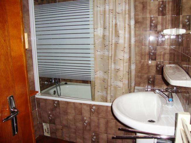 bano_2-apartamentos-vaquers-3000pas-de-la-casa-estacion-grandvalira.jpg