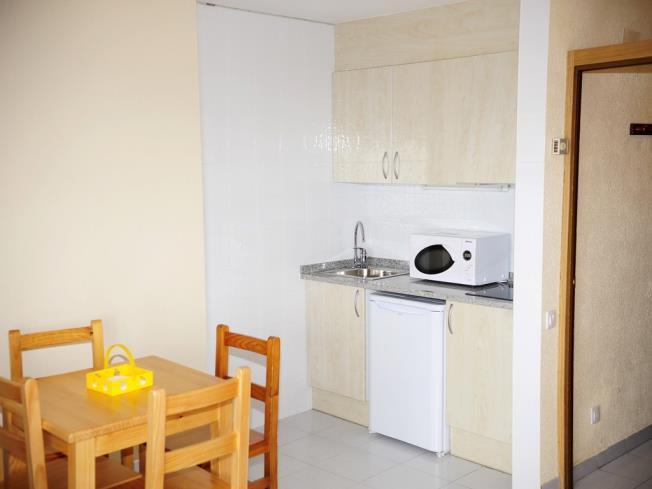 cocina_4-apartamentos-vaquers-3000pas-de-la-casa-estacion-grandvalira.jpg