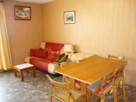 salon-comedor_3-apartamentos-vaquers-3000pas-de-la-casa-estacion-grandvalira.jpg