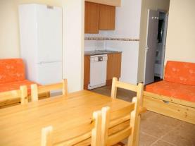 salon-comedor_8-apartamentos-vaquers-3000pas-de-la-casa-estacion-grandvalira.jpg