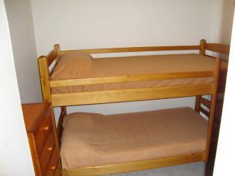 dormitorio_7-apartamentos-vaquers-3000pas-de-la-casa-estacion-grandvalira.jpg