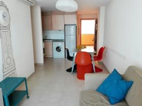 salon_1-apartamentos-los-almendros-3000oropesa-del-mar-costa-azahar.jpg
