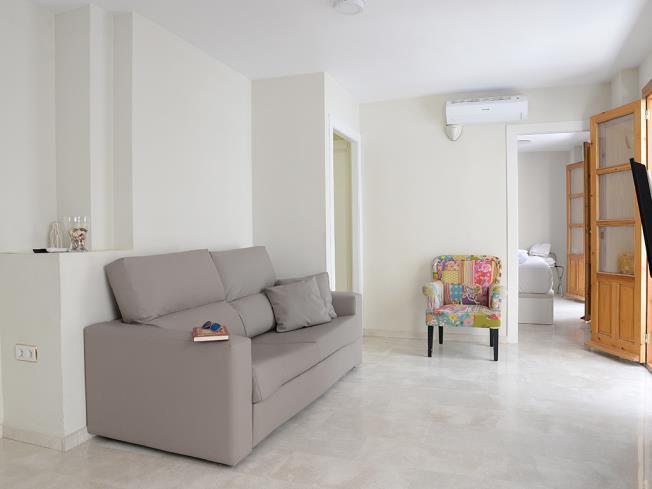 Salón Apartamentos Paloma 3000 Granada