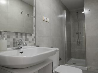 bano-apartamentos-paloma-3000-granada-andalucia.jpg