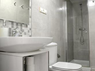 bano_3-apartamentos-paloma-3000granada-andalucia.jpg