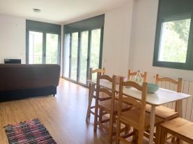 salon-comedor-10-apartamentos-canillo-3000canillo-estacion-grandvalira.jpg
