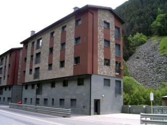 Fachada-Verano-Apartamentos-Canillo-3000-CANILLO-Estación-Grandvalira.jpg