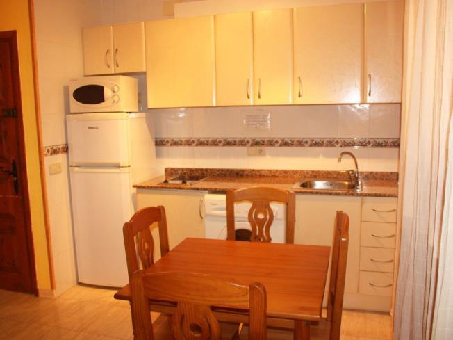 Cocina1-Apartamentos-Las-Fuentes-3000-ALCOCEBER-Costa-Azahar.jpg