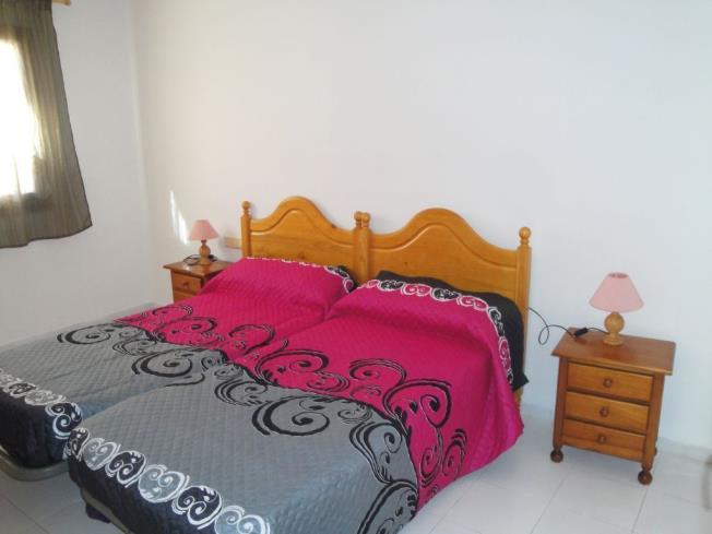 Dormitorio1-Apartamentos-Las-Fuentes-3000-ALCOCEBER-Costa-Azahar.jpg