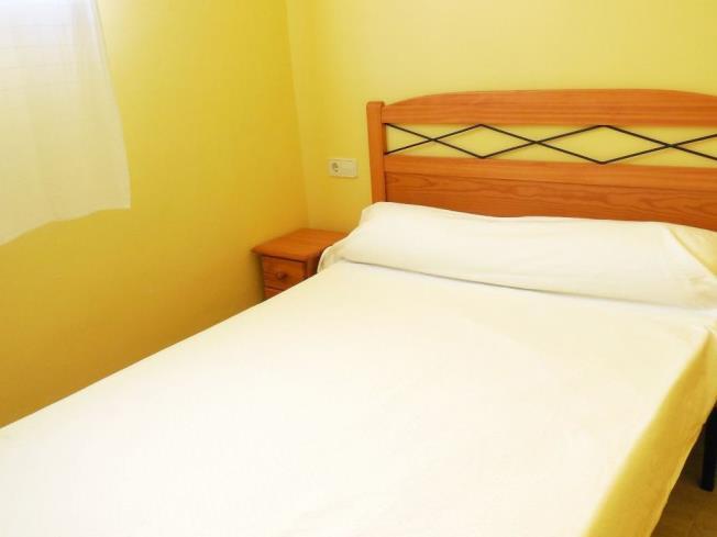 Dormitorio3-Apartamentos-Las-Fuentes-3000-ALCOCEBER-Costa-Azahar.jpg
