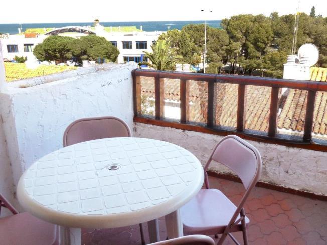 Terraza-Apartamentos-Las-Fuentes-3000-ALCOCEBER-Costa-Azahar.jpg