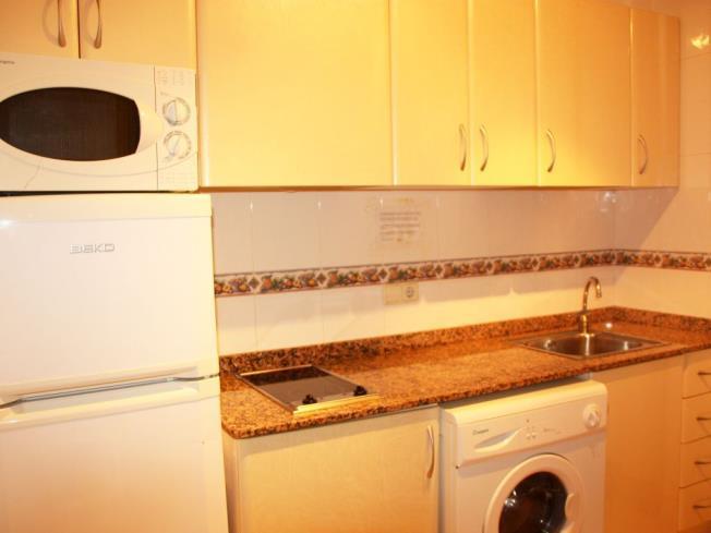 cocina_3-apartamentos-las-fuentes-3000alcoceber-costa-azahar.jpg