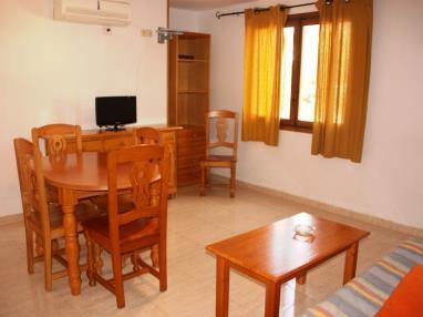 salon_1-apartamentos-las-fuentes-3000alcoceber-costa-azahar.jpg