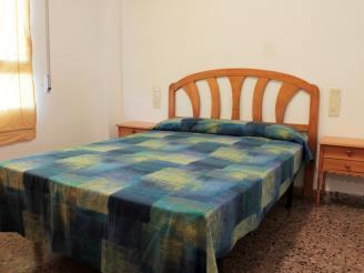 Dormitorio2-Apartamentos-Jardines-de-gandia-I-y-II-3000-GANDIA-Costa-de-Valencia.jpg