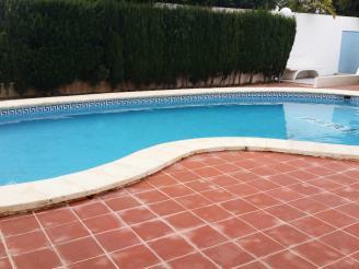 Piscina3-Apartamentos-Jardines-de-gandia-I-y-II-3000-GANDIA-Costa-de-Valencia.jpg