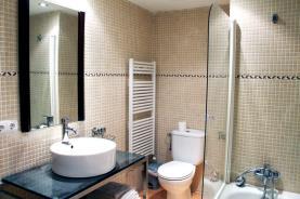 Baño2-Apartamentos-Arans-3000-ARANS-Estación-Vallnord.jpg