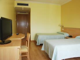 dormitorio-12-hotel-villa-juanitagrove,-o-galicia-rias-bajas.jpg