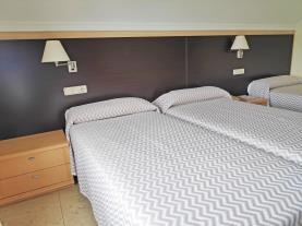 dormitorio-13-hotel-villa-juanitagrove,-o-galicia-rias-bajas.jpg