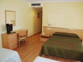 dormitorio-19-hotel-villa-juanitagrove,-o-galicia-rias-bajas.jpg