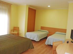 dormitorio-20-hotel-villa-juanitagrove,-o-galicia-rias-bajas.jpg