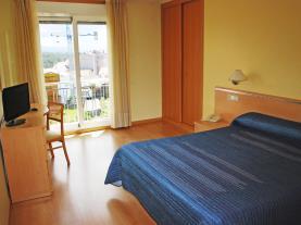 dormitorio-23-hotel-villa-juanitagrove,-o-galicia-rias-bajas.jpg