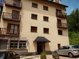 fachada-verano_4-apartamentos-sallent-de-gallego-3000sallent-de-gallego-pirineo-aragones.jpg
