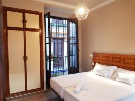 dormitorio-13-apartamentos-alhambra-granada-3000granada-andalucia.jpg