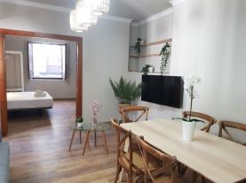salon-comedor-10-apartamentos-alhambra-granada-3000granada-andalucia.jpg