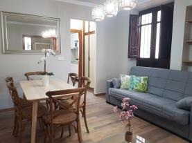 salon-comedor-2-apartamentos-alhambra-granada-3000granada-andalucia.jpg