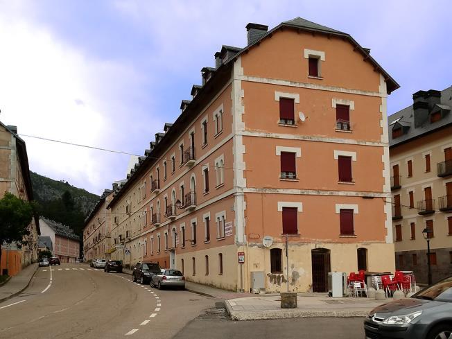 Fachada Invierno Apartamentos Canfranc 3000 Canfranc