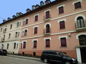 fachada-verano-apartamentos-canfranc-3000-canfranc-pirineo-aragones.jpg