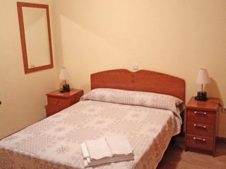 dormitorio_2-apartamentos-canfranc-3000canfranc-pirineo-aragones.jpg
